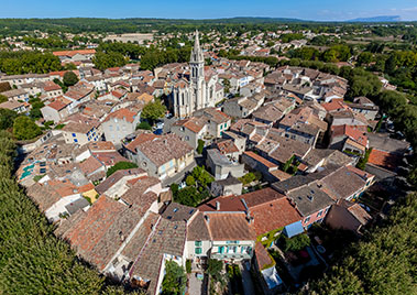Le village typique de Saint-Cannat (13)